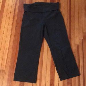Old Navy yoga style Capri leggings - medium tall!